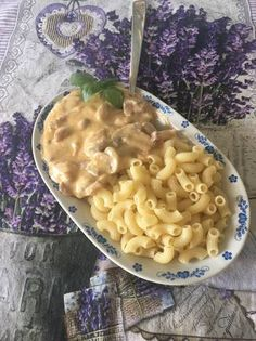 Macaroni And Cheese, Ethnic Recipes, Food, Hungarian Recipes, Mac Cheese, Mac And Cheese, Hoods, Meals