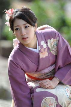 thekimonogallery: Wearing silk kimono. Japan