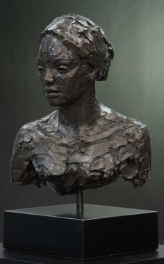 An Original #Sculpture by #LionelSmit #bronze #southafricanartist For more please visit: www.finearts.co.za