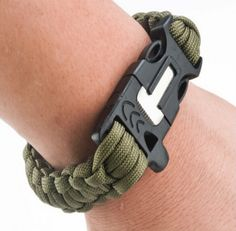 4 in 1 Flint Fire Starter Whistle,Outdoor Camping Survival Gear Buckle Travel Kit Equipment,Paracord Rescue Rope Escape Bracelet - Material:Nylon & plastic Color: Black/Army Green - Packaging Content: