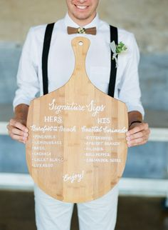 26 Delicious Wedding Ideas for Couples Crazy About Pizza - - From pizza-inspired décor accents to pies by the slice, here's how to make your favorite Italian food part of your big day. Pizza Wedding, Wedding Reception Food, Wedding Menu Cards, Wedding Signs, Wedding Foods, Wedding Catering, Reception Ideas, Wedding Planner, Floral Wedding Cakes