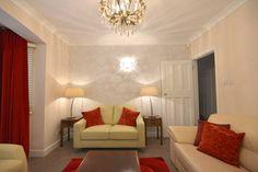 Salas / recibidores de estilo moderno por Chameleon Designs Interiors