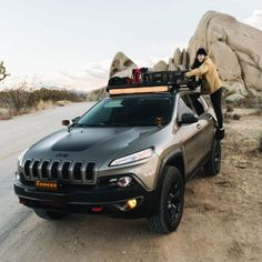 """This 1358mm/53.5"""" long, full-size, Slimline II cargo roof rack kit contains the Slimline II Tray, Wind Deflector and 2 pairs of Grab-On Feet to mount the Slimline II Tray to the roof rails of your Jeep Cherokee KL. Jeep Cherokee Roof Rack, 2014 Jeep Cherokee Trailhawk, Jeep Trailhawk, Jeep Grand Cherokee Srt, Cargo Roof Rack, Jeep Cherokee Accessories, Best New Cars, Grand Vitara, Chrysler Pacifica"""