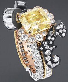 "DIOR. ""Boiserie Diamant Jaune"" ring in yellow gold, platinum, pink gold…"