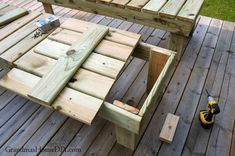Outdoor sun loungers, chaise loungers, wood working project for our deck! Backyard Swing Sets, Backyard Pool Designs, Patio Design, Outdoor Loungers, Outdoor Patios, Outdoor Rooms, Outdoor Living, Diy Yard Furniture, Modern Outdoor Chairs