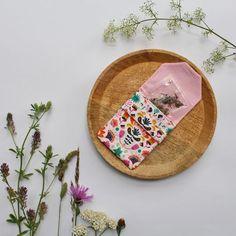 4 Freizeiten: I did it again: Täschchen KISS im Flower-Power-Look Flower Power, Nerd, Healty Dinner, Love Food, Creative, Dinner Recipes, Kiss, Easy Meals, Cooking Recipes