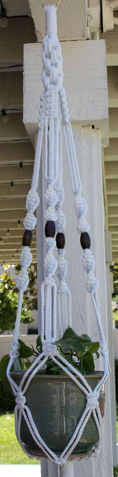 20 DIY Macrame Plant Hanger Patterns | www.designrulz.co…