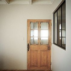 オープンハウスのお知らせ アンティークのドア、ヘリンボーンの床、モロッコタイルの洗面…お気に入りのパーツを使って、築35年の一戸建てが生まれ変わりました。時を経た味わいを残しながら素朴な雰囲気でリノベーションした空間は、さらに好みの棚をつ けたり、塗り替えをしたり、DIYの楽しみを残した、これからが楽しい一軒家です。  リフォームご相談会 日時:2016年9月11日(日) 10:00~17:00(最終受付16:30) 会場:神戸市垂水区 JR垂水駅よりバス20分 問合せ先:0798-72-6688 Mail:info@denplus.co.jp *予約制となっております。お電話またはメールにてお問合せくださいませ。  #denplusegg#デンプラスエッグ#ディープラスイーマーケット#リノベーション#リフォーム#アンティーク#ヴィンテージ#インテリア#ライフスタイル#店舗デザイン#雑貨#interior#vintage#lifestyle#eightdayskitchen#神戸市垂水区#オープンハウス