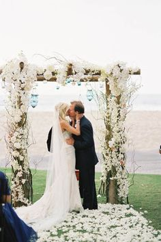 Wedding Venue + Site Coordination: Four Seasons Hualalai in Hōlualoa, Hawaii / Wedding + Event Design: Beth Helmstetter Events / Floral Design: Holly Flora /