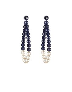 Two-tone magnetic glass-pearl earrings - CHANEL Bead Earrings, Clip On Earrings, Pearl Necklace, Chanel Fashion, Crystal Drop, Simple Jewelry, Celebrity News, Costume Jewelry, Jewelery