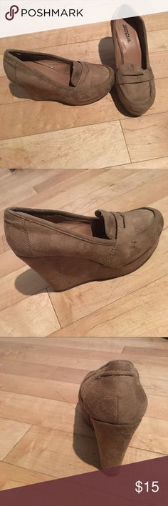 4.5 inch soda brand wedges Good condition only worn a few times out Soda Shoes Wedges