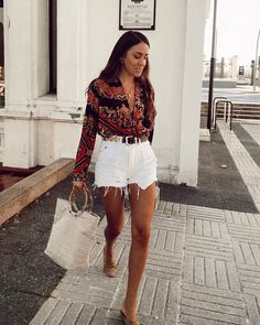 74 Beautiful Summer Outfits Perfect that You Must Try In Holiday Mode Outfits, Casual Outfits, Fashion Outfits, Womens Fashion, Fashion Trends, Fashion 2020, Casual Shorts Outfit, 80s Fashion, Daily Fashion