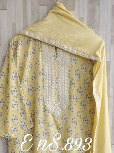 Dress Neck Designs, Kurti Neck Designs, Kurti Embroidery Design, Embroidery Fashion, Brocade Lehenga, Eastern Dresses, Simple Pakistani Dresses, Pakistani Fashion Party Wear, Desi Clothes