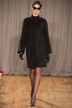 http://www.vogue.de/fashion-shows/kollektionen/herbst-2014/new-york/zac-posen/runway/00050h