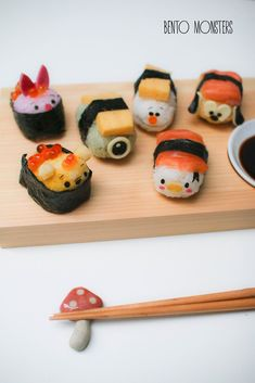 I've made many sushi creations to date, but I think this set of Tsum Tsum sushi that I'm sharing today is my favourite by far. Sushi Recipes, Snack Recipes, Bento Box Lunch For Kids, Gourmet Desserts, Plated Desserts, Oyster Recipes, Japanese Food, Japanese Desserts, Salmon Sushi