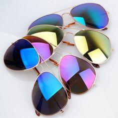 En los deportes de nieve ha sido maximizada la misma tecnología pero en lugar de amarillas, estas gafas para deportistas tienen lentes de color ámbar o lentes color de rosa que pueden ayudar a marcar las pistas en la nieve. Esto es crucial, otra vez porque lo protege de la luz del sol que podría dificultar la visión http://opticasparis.mx/