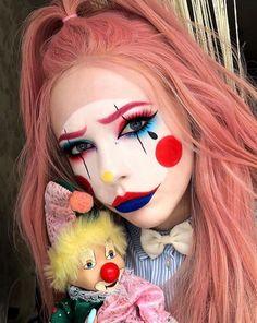 Creepy Clown Makeup, Halloween Makeup Clown, Joker Makeup, Amazing Halloween Makeup, Scary Clowns, Halloween Makeup Looks, Circus Makeup, Halloween 2020, Face Paint Makeup
