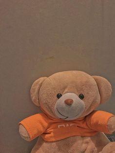 Simple Iphone Wallpaper, Book Wallpaper, Minimalist Wallpaper, Cute Wallpaper Backgrounds, Pretty Wallpapers, Aesthetic Iphone Wallpaper, Cute Panda Wallpaper, Kawaii Wallpaper, Jumbo Teddy Bear
