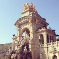 Parc de la Ciutadella  Passeig Pujades 33-37 (métro Arc de Triomf)