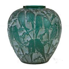 Lalique  Parokeet vase.