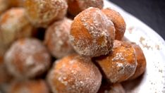 A kihagyhatatlan gurulófánk | egy.hu Pretzel Bites, Hamburger, Cake Recipes, Bread, Food, Recipes For Cakes, Eten, Hamburgers, Baking Recipes