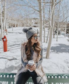 Image in ❄️winter❄️ collection by Snow Pictures, Poses For Pictures, Snow Photography, Photography Poses, Shotting Photo, Winter Instagram, Snow Outfit, Outfit Invierno, Winter Stil