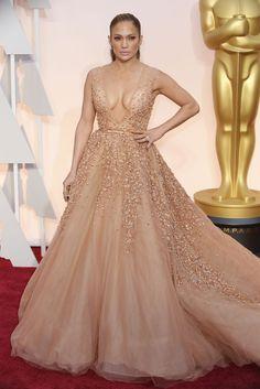 Oscars 2015: Jennifer Lopez in Elie Saab