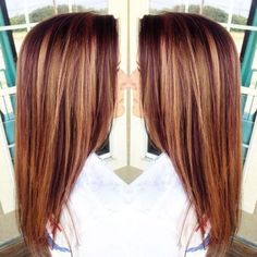 purple red hair with caramel highlights Highlights For Auburn Hair, Red Hair With Lowlights, Medium Auburn Hair Color, Balayage Hair Auburn, Copper Highlights On Brown Hair, Brown Auburn Hair, Peekaboo Highlights, Golden Highlights, Copper Hair