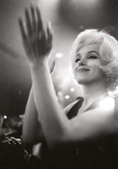 Marilyn at the Golden Globe Awards, 5 March 1962.