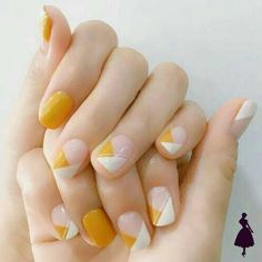 Easy and Pretty White and Orange Nail Art Designs for Girls – Uñas Coffing Maquillaje Peinados Tutoriales de cabello Classy Nails, Stylish Nails, Simple Nails, Trendy Nails, Simple Nail Arts, Cute Nail Art Designs, Short Nail Designs, Simple Designs, Latest Nail Designs