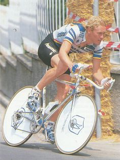 Tour Of Italy `88 by Numerius, via Flickr Vintage Cycles, Athletic Body, Italy Tours, Bicycle Race, Old Bikes, Cycling Art, Road Racing, Vintage Sport, Wheel Cover