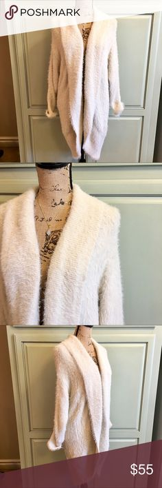 BB Dakota Lovely ivory fuzzy cardi. It has a slight cocoon fit, definitely oversized, this is labeled as XS but will fit up to medium, this is why I️ listed as small. Warm and super soft! Simple Sanctuary necklace is available in my Boutique. BB Dakota Tops