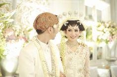 Enchanting Traditional Wedding With A Disney Twist | http://www.bridestory.com/blog/enchanting-traditional-wedding-with-a-disney-twist