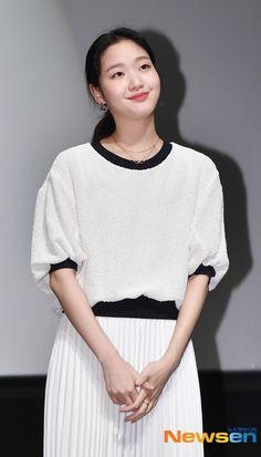 Korean Actresses, Korean Actors, Kim Go Eun Style, Korean Celebrities, Celebs, Korean Girl, Asian Girl, Goblin Korean Drama, Ji Eun Tak