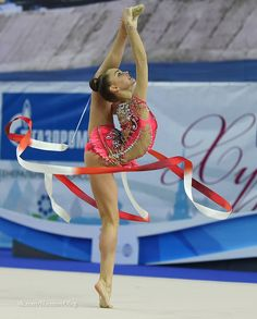 Arina Averina (Russia), Kazan 2016 Gymnastics Girls, Rhythmic Gymnastics, Dance Photography, Amazing Photography, Ballet, Modern Dance, People Of The World, Sport, Russia