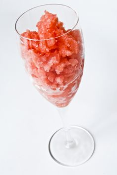 Four Frozen Recipes for the Fourth of July - all free of the top eight food allergens. Sorbet, granita, and a slushie! Boba Recipe, Fourth Of July Food, Frozen Meals, How To Get Warm, Slushies, Egg Free, Food Allergies, Healthy Treats, Dairy Free