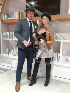 Bonnie and Clyde Halloween costume Football Halloween Costume, Cool Couple Halloween Costumes, Best Couples Costumes, Trendy Halloween, Halloween Outfits, Halloween Couples, Couple Costumes, Bonnie Costume, Bonnie And Clyde Costume