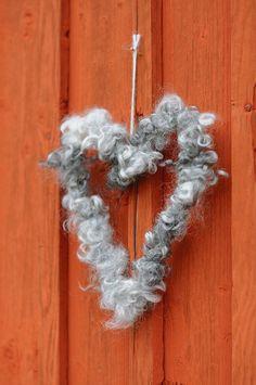 Christmas Love, Christmas Wreaths, Christmas Crafts, Xmas, Textiles, Sheep Wool, Handicraft, Needle Felting, Activities For Kids