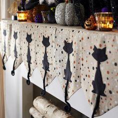 déco glamour Halloween pour la cheminée