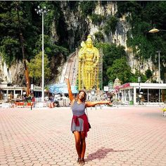 Feeling fine at the #BatuCaves of Malaysia with @tashytwin. Travel Well #TravelFly!