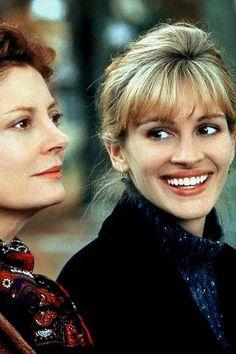 Susan Sarandon and Julia Roberts in Stepmom, 1998 Sad Movies, Great Movies, Julia Roberts Quotes, Stepmom 1998, Stepmom Film, Runaway Bride, Susan Sarandon, Best Dramas, Movies