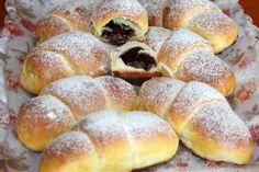 Desať receptov na plnené rožteky - Žena SME Small Desserts, Low Carb Desserts, Sweet Desserts, Sweet Recipes, Slovak Recipes, Czech Recipes, Sweet Pastries, Bread And Pastries, Bread Dough Recipe