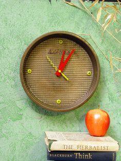 Wall Clock. Recycled, repurposed vintage cake pan - Ovenex pattern (296). $31.00, via Etsy.  I love this.