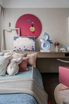 建E室内设计网 Sofa Furniture, Furniture Design, Kid Spaces, Interior Design Living Room, Kids Bedroom, Toddler Bed, Kids Rugs, Pillows, Children