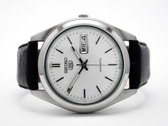 Really like these winter mens fasion 21292 Best Looking Watches, Cool Watches, Watches For Men, Stylish Mens Fashion, Latest Mens Fashion, Seiko 5 Automatic Watch, Seiko Watches, Luxury Watches, Fashion Watches