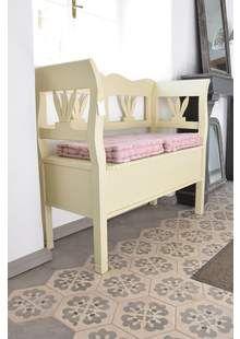 Dřevěná lavice s dekorem D065 Designers Guild, Toddler Bed, Armchair, Bench, Storage, Showroom, Furniture, Home Decor, Child Bed
