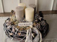 Elaborately designed, natural Advent wreath ** ★ Merry Christmas ★ ** The gray limed, large vine wreath was decorated with different colored through colored candles (cream & taupe), which with fur … Source by Christmas Advent Wreath, Christmas Time, Merry Christmas, Christmas Decorations, Xmas, Table Decorations, Advent Candles, Pillar Candles, Diy Fall Wreath
