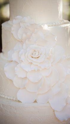 Wedding Cake Gum Paste Flower ~ Large Edible Gum Paste Rose ~ Gumpaste Floral by: Bella Baby Cakes
