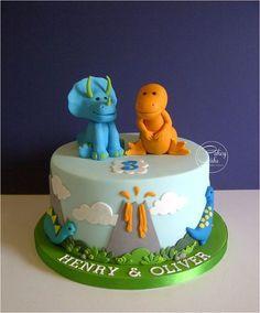 cute dinosaur cake: