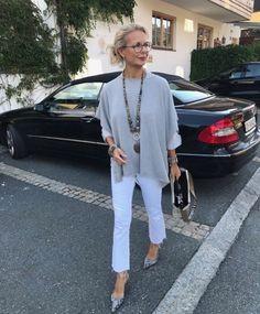 18620a0b659891 Styling Ratgeber für Frauen ab 50 von der Bloggerin Bibi Horst Weiße Jeans